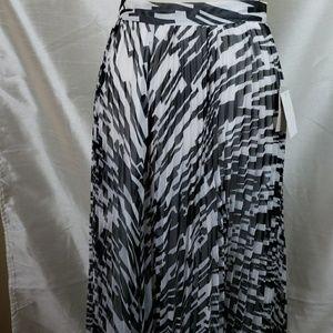 Carmen Marc Valvo Black and White Maxi Skirt sz 6
